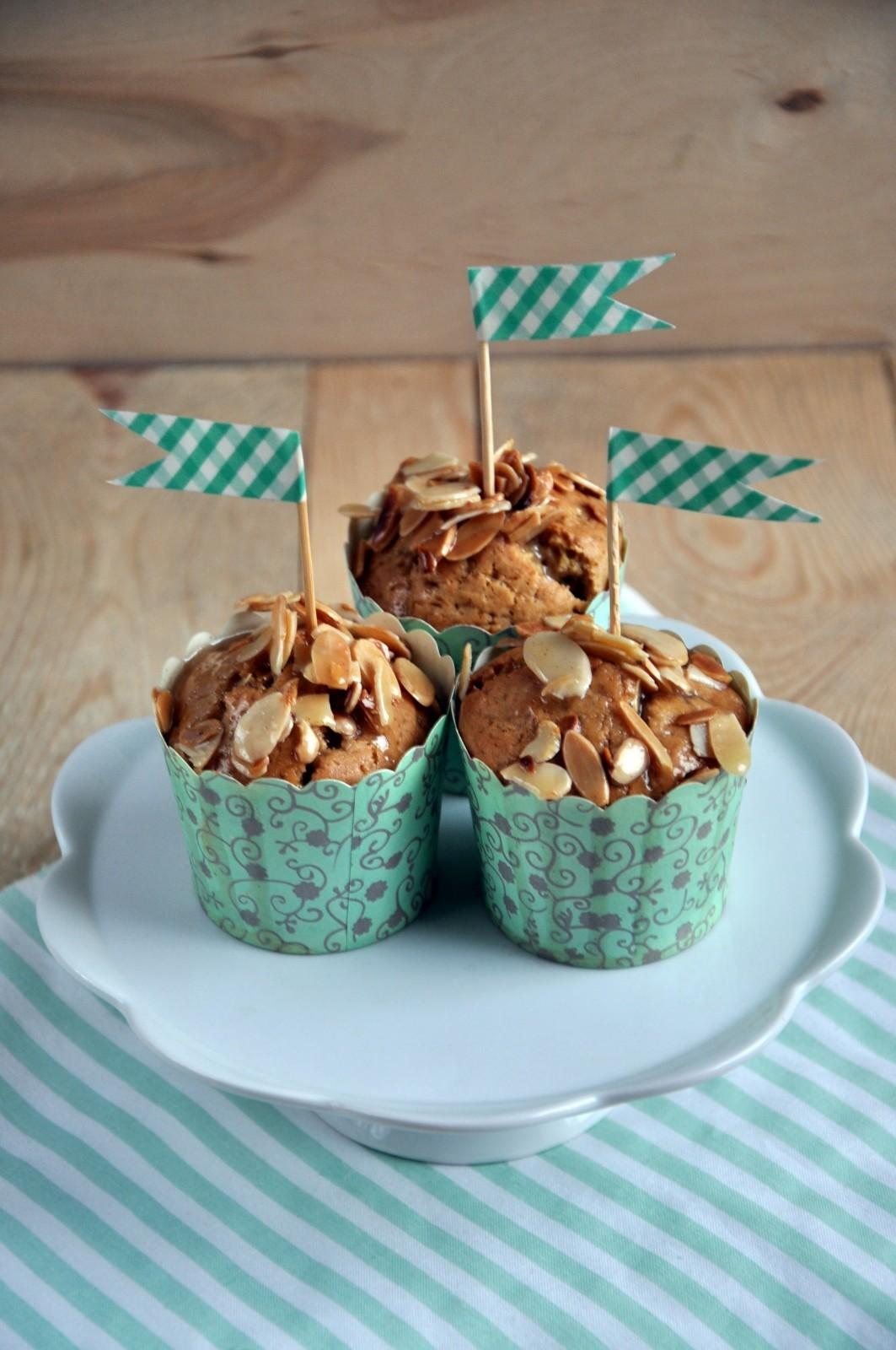 Muffiny klonowe z karmelizowanymi migdałami
