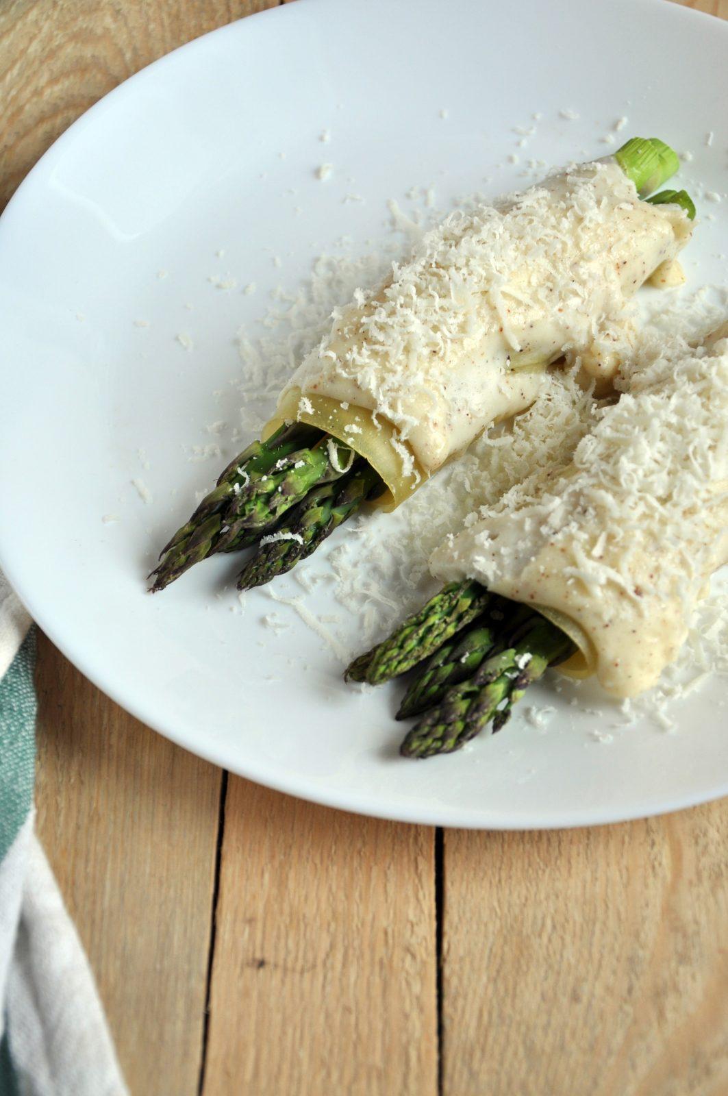 Cannelloni ze szparagami zapiekane pod beszamelem