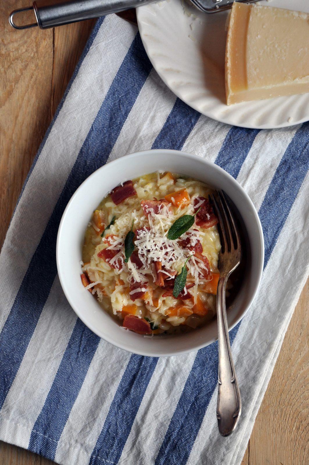 Dyniowe risotto z boczkiem i szałwią