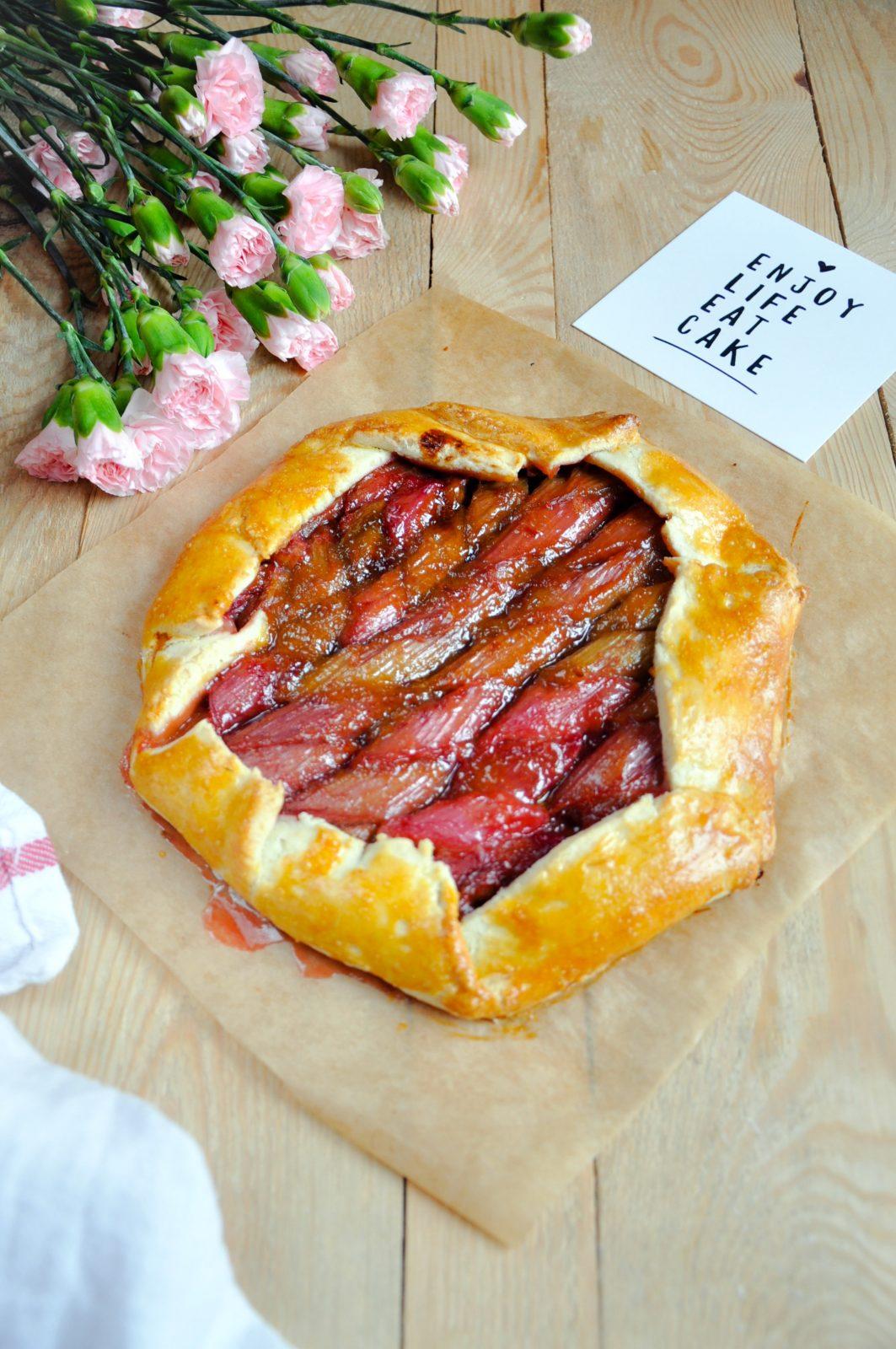 Rustykalna tarta z rabarbarem