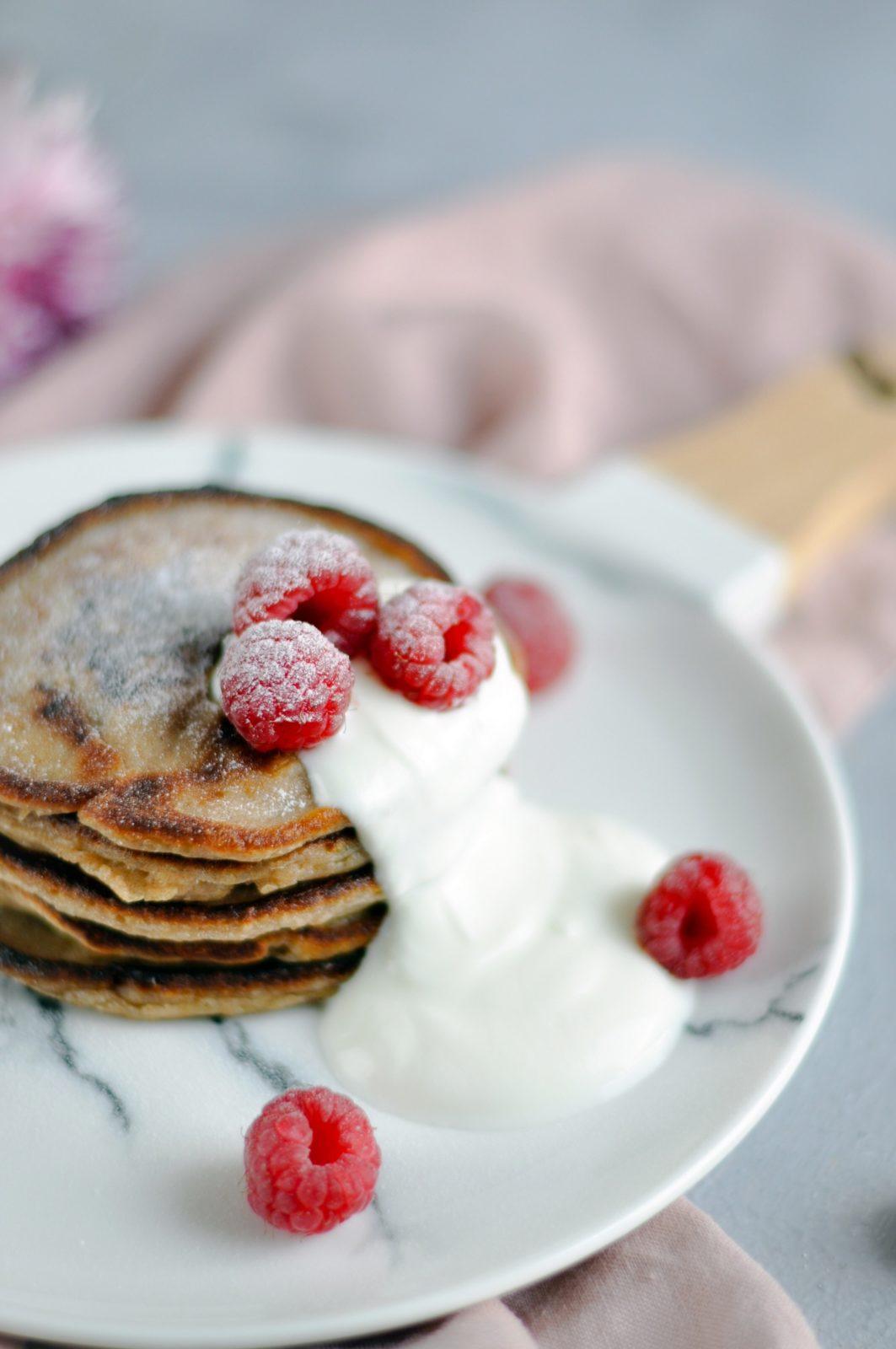 Puszyste placuszki żytnie na jogurcie greckim